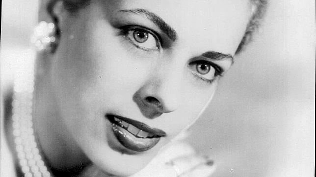 Naty Revuelta en 1955, un año antes del nacimiento de su hija Alina Fernández