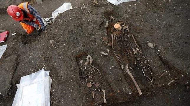 Restos humanos encontrados bajo la céntrica estación londinense