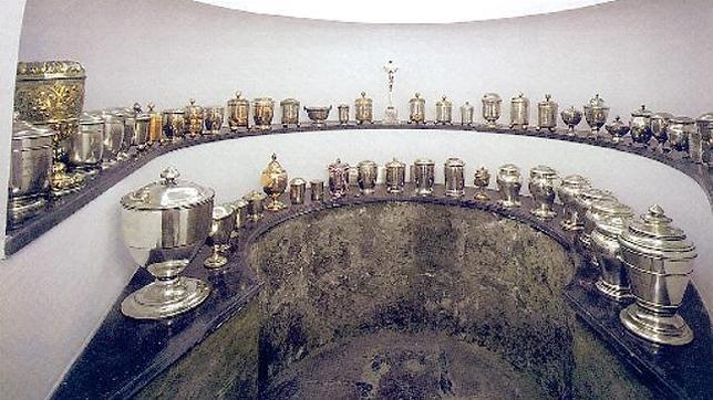 Cámara funeraria en la que se conservan 54 corazones de miembros de la Casa de Austria en el Palacio Imperial de Hofburg (Viena)