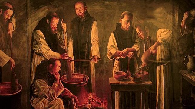 Monjes de la Orden Cisterciense elaboran chocolate en la cocina del Monasterio de Piedra, en Nuévalos (Zaragoza)
