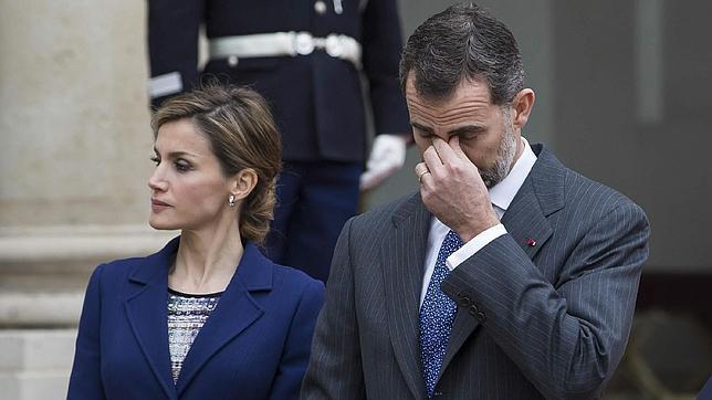 Don Felipe y Doña Letizia, consternados por la noticia del accidente