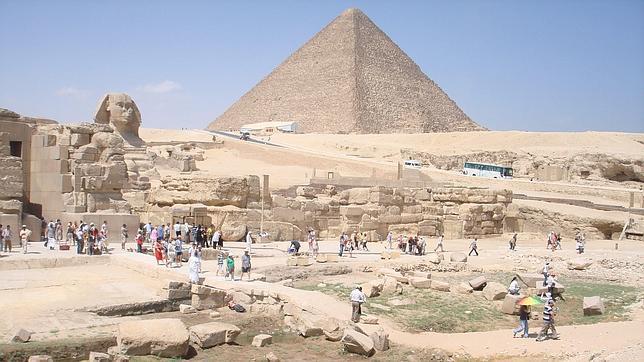 La Pirámide de Keops y la Esfinge, dos de los símbolos de Egipto