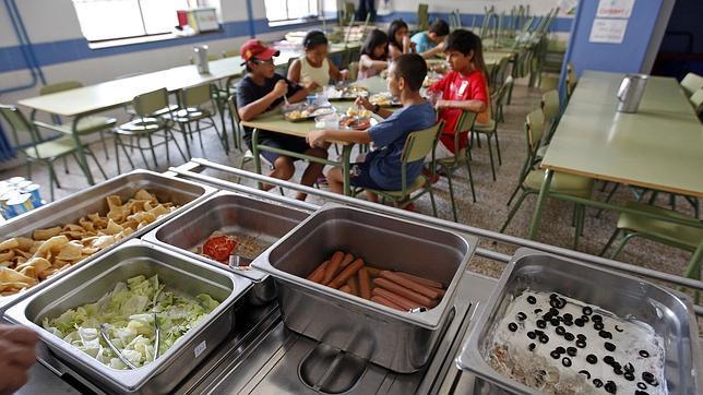 Valencia deniega becas de comedor a familias con deudas por impuestos