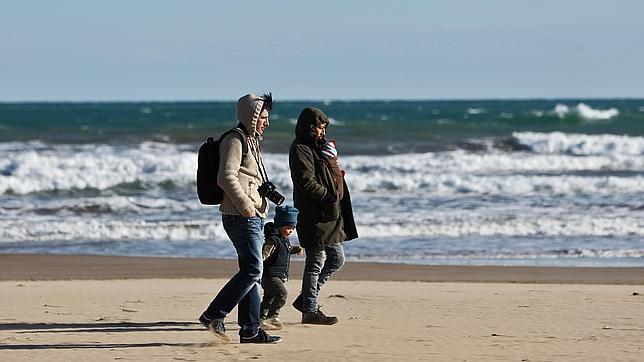 Día de frío en la valenciana playa del Cabanyal