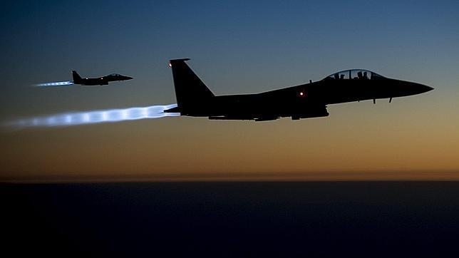 Dos cazas estadounidenses sobrevolando el norte de Irak