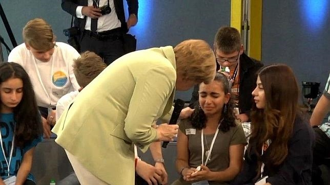 Merkel con la niña palestina