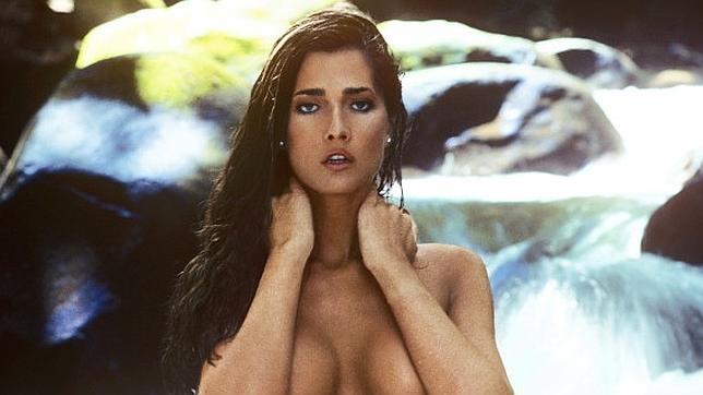 La modelo Caroline Cossey en su portada para Playboy