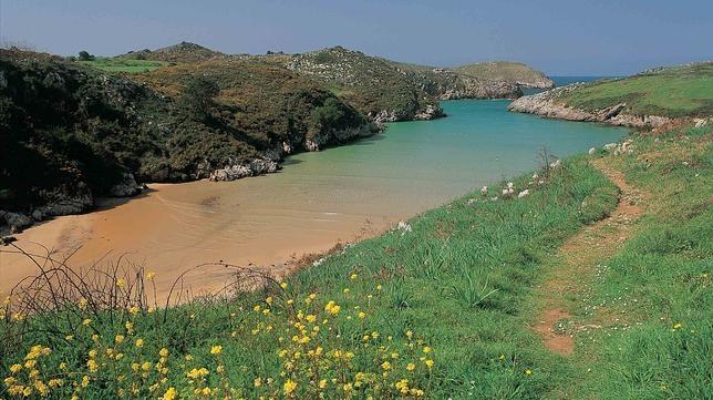 Diez playas en España perfectas para ir con niños