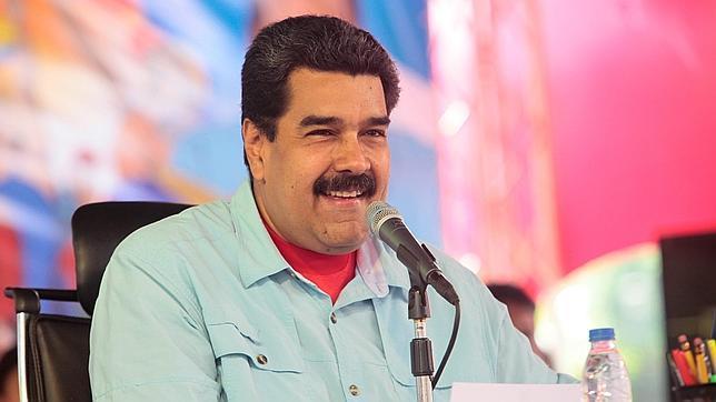 Fotografía cedida por el Palacio de Miraflores donde se observa al presidente de Venezuela Nicolás Maduro en un acto de gobierno