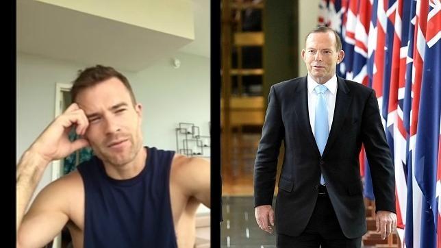 Lachlan Beaton, protagonsita del vídeo viral, y Tony Abbott en Camberra