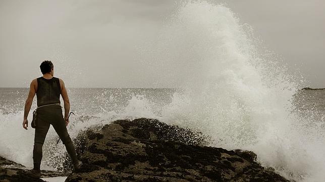 La borrasca que afecta a Galicia se caracteriza por fuerte oleaje, vientos y  abundantes precipitaciones