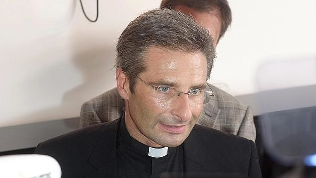 El sacerdote polaco Krzysztof Charamsa