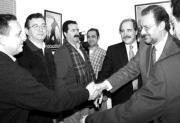 Álvaro Cuesta, a la derecha, en una reunión con concejales del PSOE. ABC