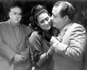 Alfred Lucchetti, Luisa Martín y Juan Echanove en «El verdugo». ABC