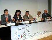 Joan Aliaga acompañado de miembros del comité organizador de los actos