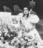 Ángeles Gulín, interpretando el papel de Violeta en «La traviata». ABC