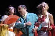 EFE  Don Hilarión, Casta y Susana, en la versión de Comediants