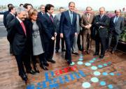 EFE  El presidente de la Generalitat, Francisco Camps, junto a otras autoridades, ayer en la inauguración la primera fase de Parc Sagunt