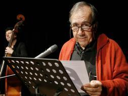 El catalán Joan Margarit ha ganado el premio Nacional de Poesía. /ARCHIVO