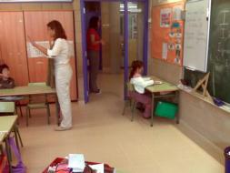 Denuncia que su hija pasó tres días cara a la pared en un colegio catalán