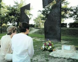 NaBai, IU y ANV niegan un homenaje a las víctimas del terrorismo