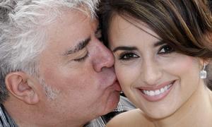 Almodóvar y Penélope Cruz presentarán «Los abrazos rotos» en Londres