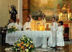 El arzobispo ofició la misa del patrón en Alameda