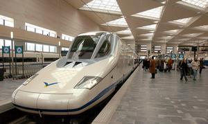 Renfe inicia la compra de diez trenes para el AVE a Francia por 270 millones