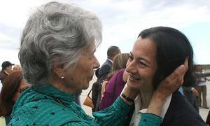 Seis compañeros de cautiverio de Ingrid Betancourt vuelven a la política