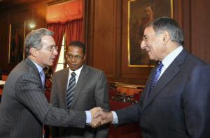 Colombia da por hecho que Uribe no repetirá mandato como presidente