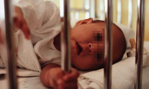 Un 12% de los lactantes sufre deformidades del cráneo por malas posturas de descanso