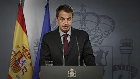 Zapatero reúne a los siete ministros económicos del Gobierno