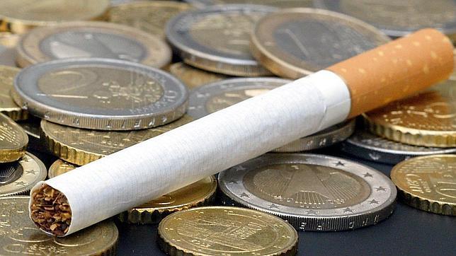 Las ventas de cigarrillos caen un 10,7% hasta julio y las de tabaco de liar, un 14%
