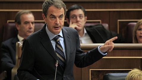 De la Vega acusa al PP de «hacer huelga contra la recuperación» y «perseguir a los sindicatos»