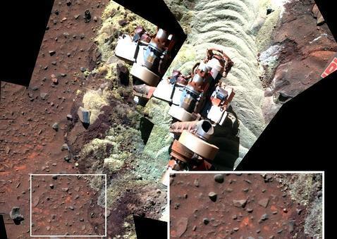 El rover atrapado en Marte halla evidencias de agua filtrada bajo sus ruedas