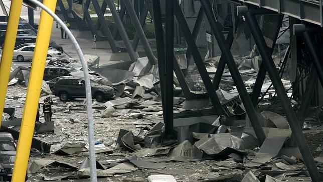 Las actas de ETA prueban que el Gobierno siguió negociando tras la bomba en la T-4