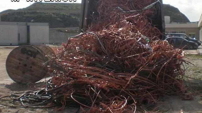 El saqueo de cobre se ceba en las vías del AVE