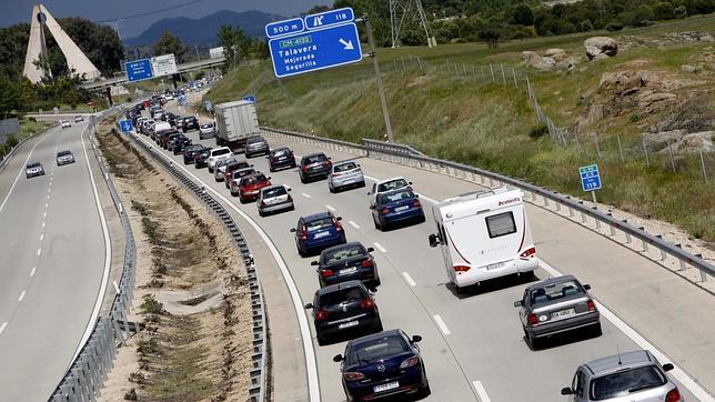La operación retorno se complica con retenciones en las principales carreteras españolas
