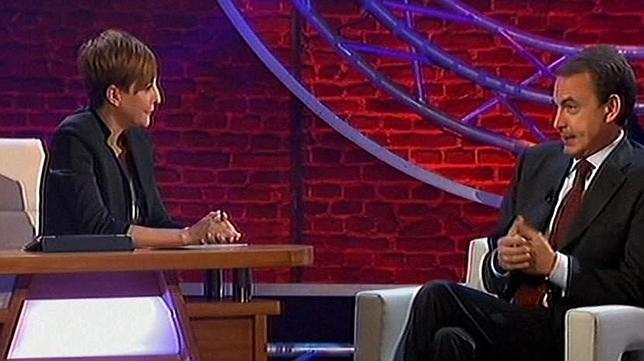 Críticas a Eva Hache en Twitter por su «complaciente» entrevista a Zapatero