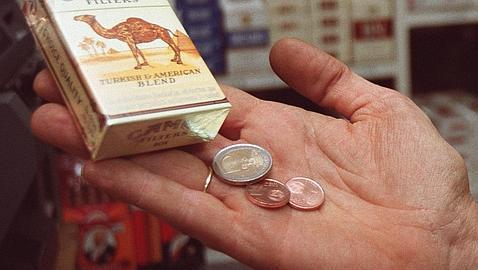 Philip Morris y Altadis prosiguen la batalla de precios del tabaco, pero esta vez al alza