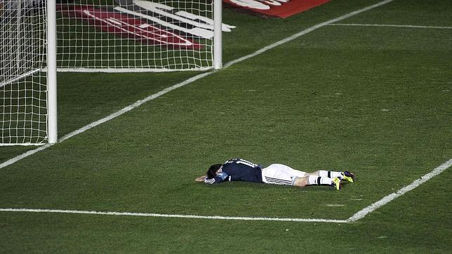 Messi, carneado por Muslera