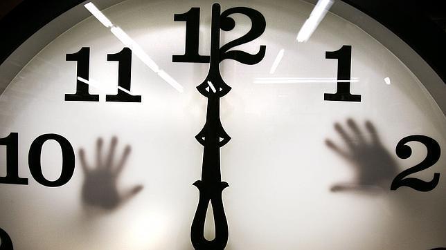 Físicos confirman que viajar en el tiempo es imposible