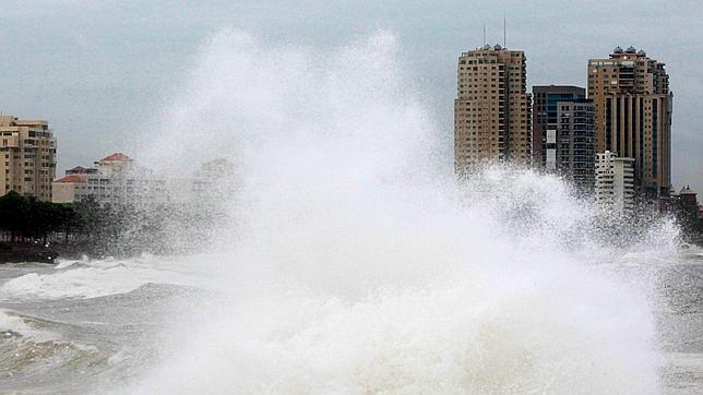 Más de 1.600 desplazados en República Dominicana a causa de la tormenta 'Emily'