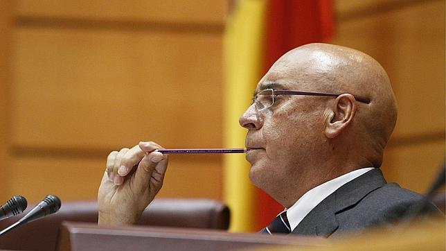 El presidente del Senado declara más de 130.000 euros y tres viviendas