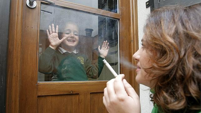 Los niños expuestos al humo del tabaco tienen más riesgo de sufrir cáncer de páncreas de adultos