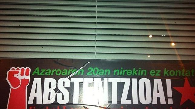 Bilbao amanece con carteles con el anagrama de KAS pidiendo la abstención