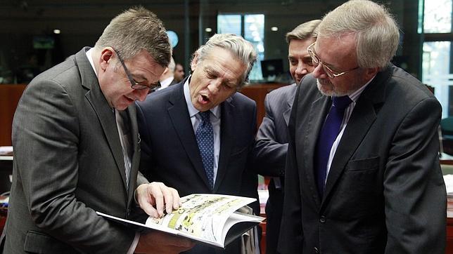 España insta al BCE a seguir comprando deuda de países golpeados por los mercados