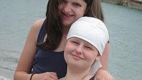 Una joven de 15 años con cáncer terminal pide como último deseo ser trending topic