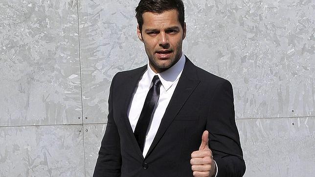 La representante de Ricky Martin niega que el cantante vaya a casarse con su novio