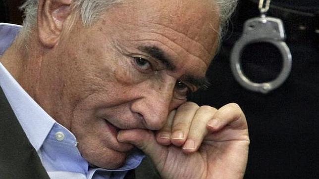 Strauss-Kahn declara por sus lazos con una red de proxenetismo